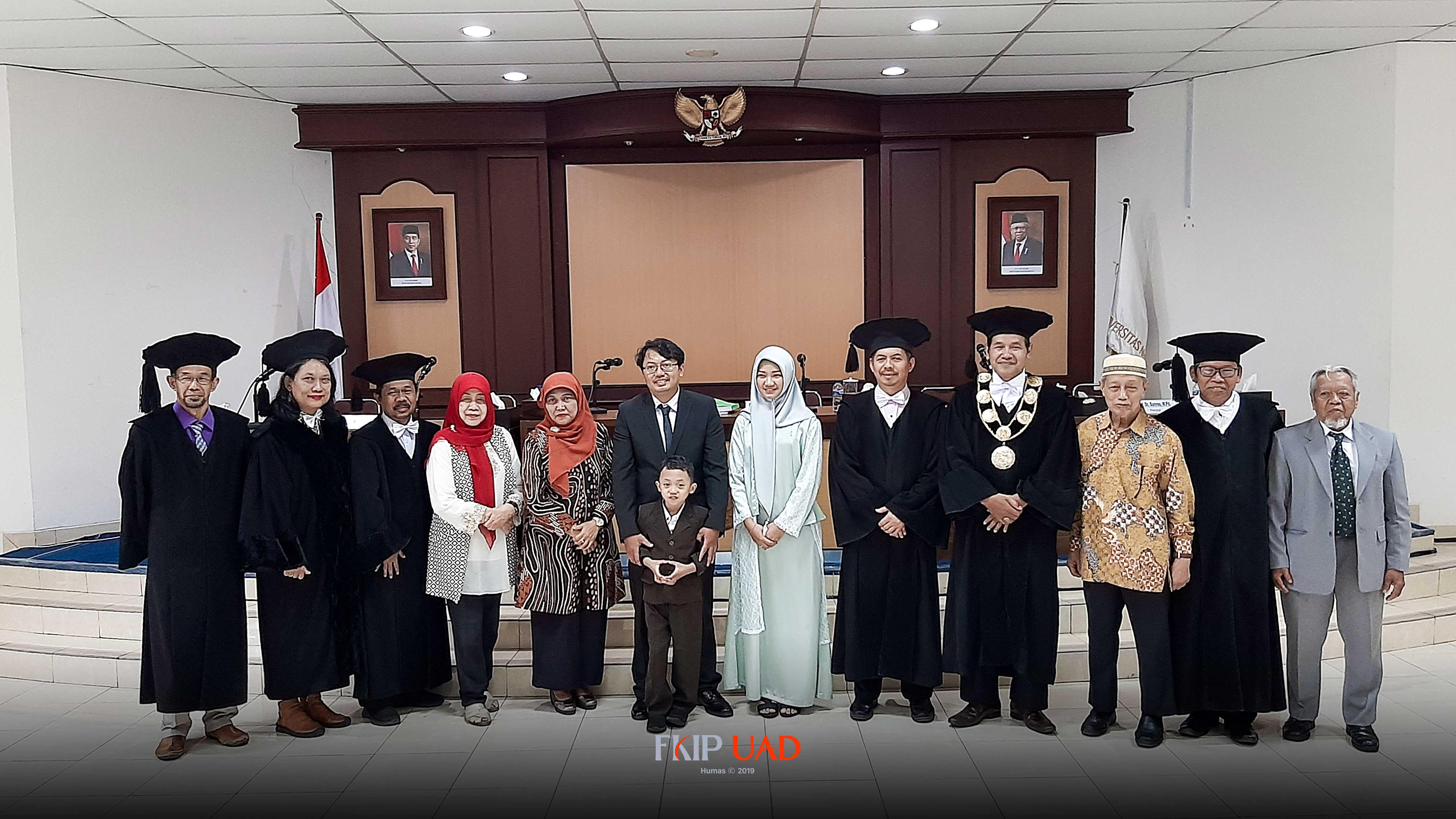 Dr.-M.-Ardi-Kurniawan,-M.A