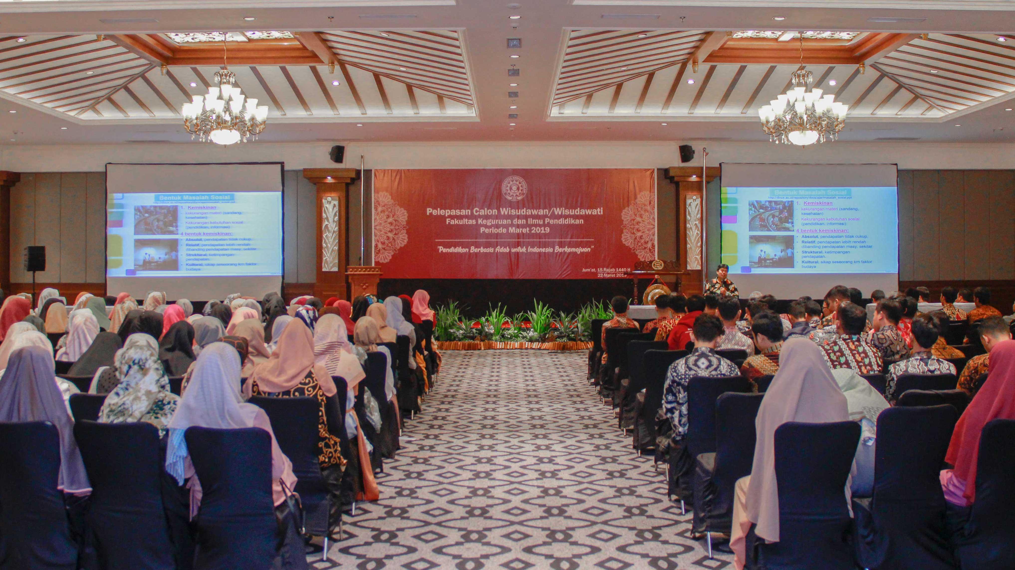 Pelepasan Wisudawan dan Wisudawati FKIP UAD Maret 2019
